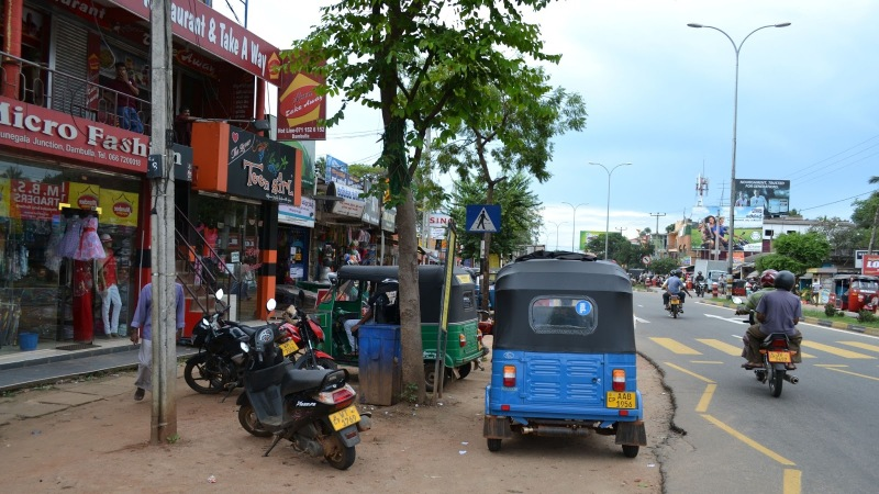 8b949-20130201_srilanka908